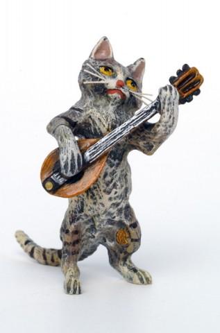 Vienna Bronze Mandolin Cat