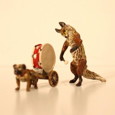 Vienna Bronze Drummer Fox