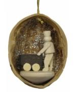 Walnut Shell Hanging 'Bergmann' - Stand