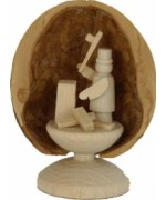 Walnut Shell Standing Holzhacker