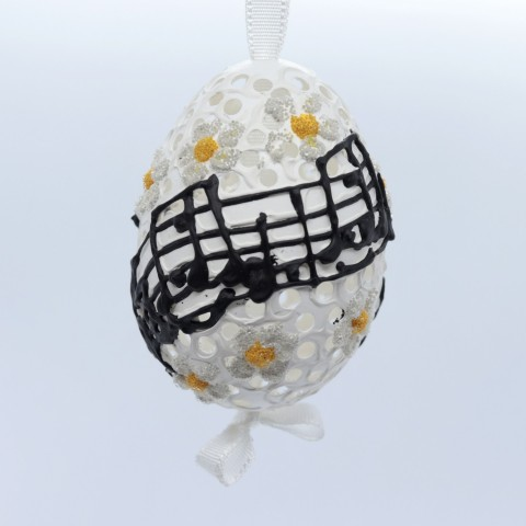 NEW - Peter Priess of Salzburg Hand Painted Easter Egg - Music Notes