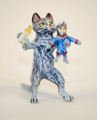 TEMPORARILY OUT OF STOCK <BR><BR>  Vienna Bronze 'Cat feeding Kitten' Miniature Figure