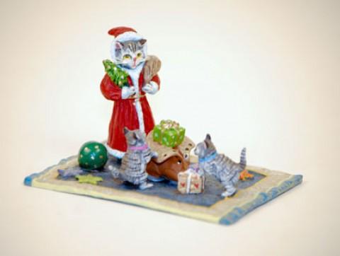 Vienna Bronze Santa Cat with Kittens