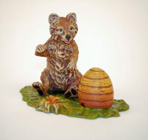 Vienna Bronze 'Bear with Bee hive'