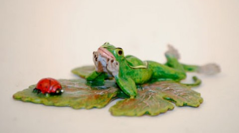 TEMPORARILY OUT OF STOCK <BR><BR>  Vienna Bronze 'Frog laying'