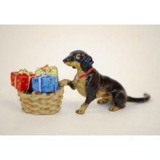 TEMPORARILY OUT OF STOCK <BR><BR>  Vienna Bronze 'Dachshund with gifts'