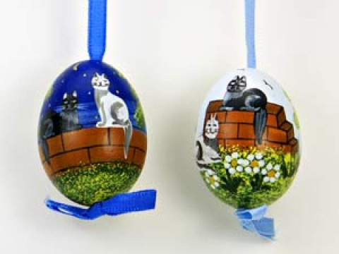 Peter Priess of Salzburg Hand Painted Easter Egg Pair of Cats