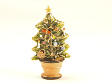 TEMPORARILY OUT OF STOCK - Vienna Bronze Christmas Tree in Pot