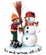 Junge mit Schneemann Original HUBRIG Wooden Figuren