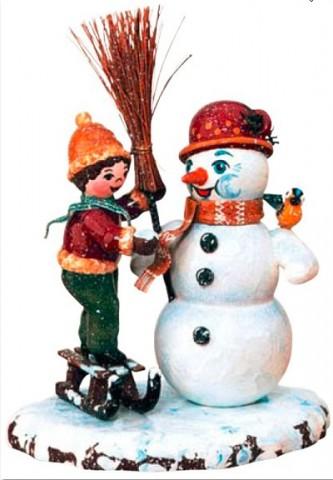 Junge mit Schneemann Original HUBRIG Wooden Figuren - TEMPORARILY OUT OF STOCK