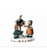 Vogelfutterung'Original HUBRIG Wooden Figuren